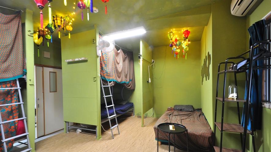 【女性専用-1階広々洋室】最大5名様までご宿泊可能です。