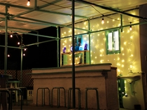 【屋上特設バー】ライトアップされクリスマスのような雰囲気