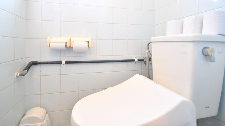 【2階トイレ(共同)】嬉しいウォシュレット完備