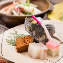 *【夕食一例】季節の旬を美味しくお召し上がりいただける夕食をご用意致します。