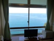 海側和洋室からの景色