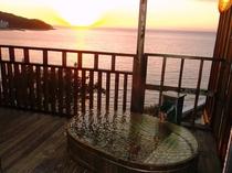 露天風呂付客室からの夕陽