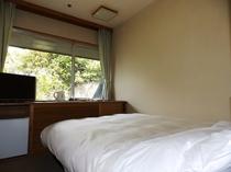 山側シングルルーム一例