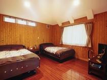 【ベッドルーム】ゆったりセミダブルベッドが2台