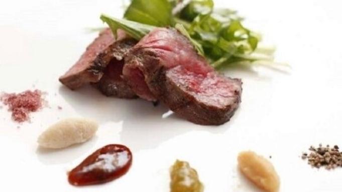 【1泊2食付プラン】5種より選べるシェフ特製本格ディナーコース♪レストランで優雅なひとときを。