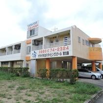 *外観/ゲストハウスの気軽さとビジネスホテルのプライベート感を大事にした宿。