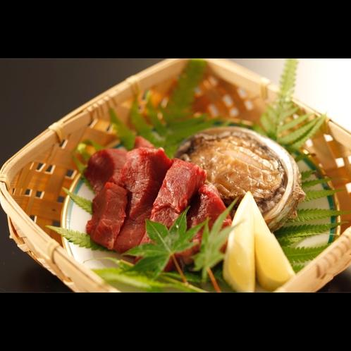 【厳選牛とアワビ】贅沢な食事に当館オススメの2大食材をぜひ