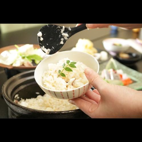 お米一粒一粒がたち、飲み込んでも旨味の余韻のある土鍋ご飯