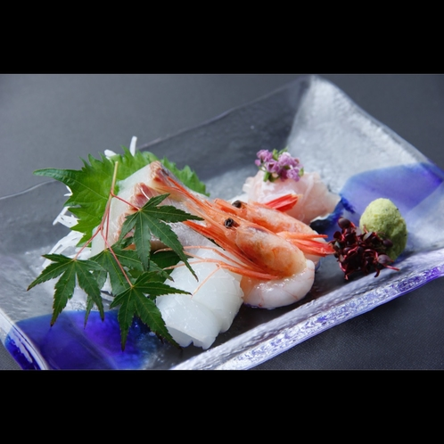 地物海鮮を使用したプリプリの新鮮お刺身
