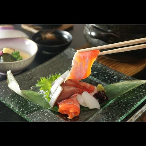 【神鍋サーモン】珍しい地物刺身、刺身も旬や地物にこだわる
