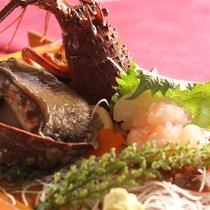 *夕食一例/伊豆といえば海の幸♪朝獲れ地魚のお造りを舟盛りでお出しします!
