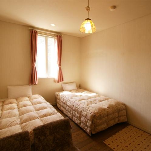 *洋室スタンダードルーム/優しい色合いでまとめられたコンパクトな広さのお部屋。