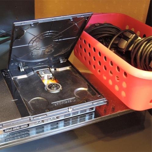 *客室設備一例/デラックスルーム限定でPS2を設置。ゲーム、DVD持込み可能です!