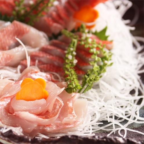 *夕食一例/犬の駅のお料理は満腹料理♪海の幸を中心にしっかりとお腹を満たしていただけます。