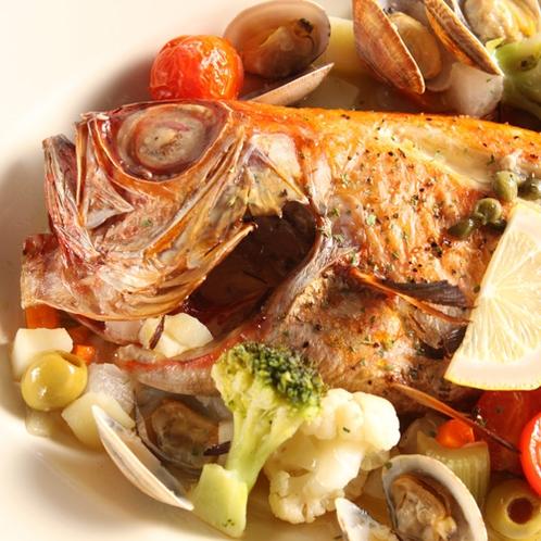 *夕食一例/伊豆近海の新鮮な魚介類をたっぷりと使ったフルコース!※連泊2日目は内容が変わります