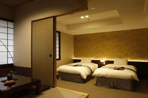 【4ベッドと3畳のこあがりが便利な空間】洋室ファミリールーム