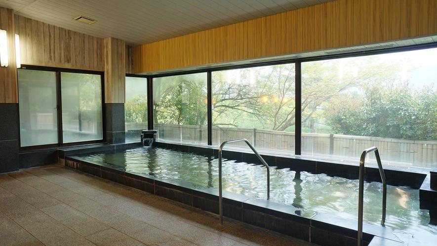 【翠山の湯】外湯の大浴場(女湯) 自家源泉掛け流し