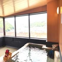 【展望風呂】最上階14階から南飛騨の雄大景色を眺めながらお寛ぎ下さい♪