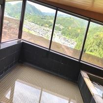 【展望風呂】南飛騨・下呂を一面に見渡せます♪