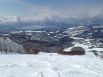 田沢湖に向かって滑り降りる感じが爽快!