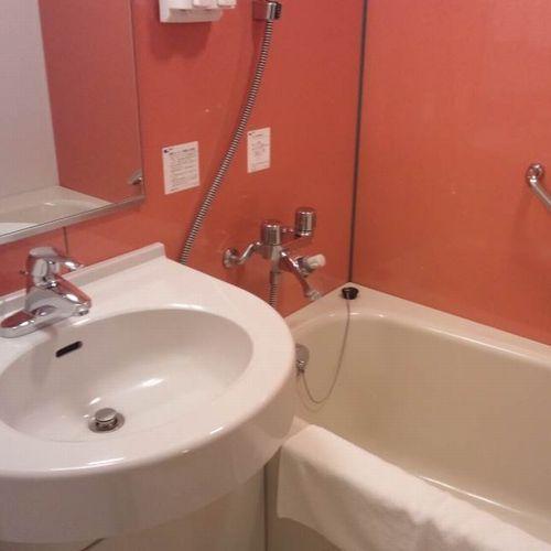 浴室ユニットバスですが大きめの浴槽です