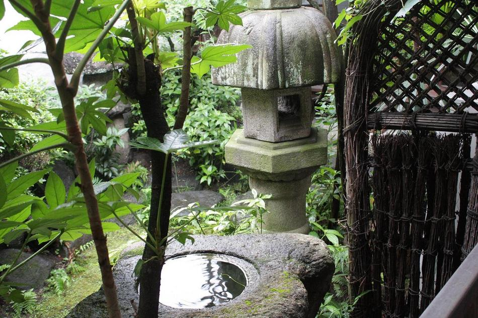 Garden 濡れ鷺灯籠