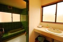 せせらぎ渓流沿い◆和室2間[6畳+3畳]【小ベランダ付き】客室風呂一例