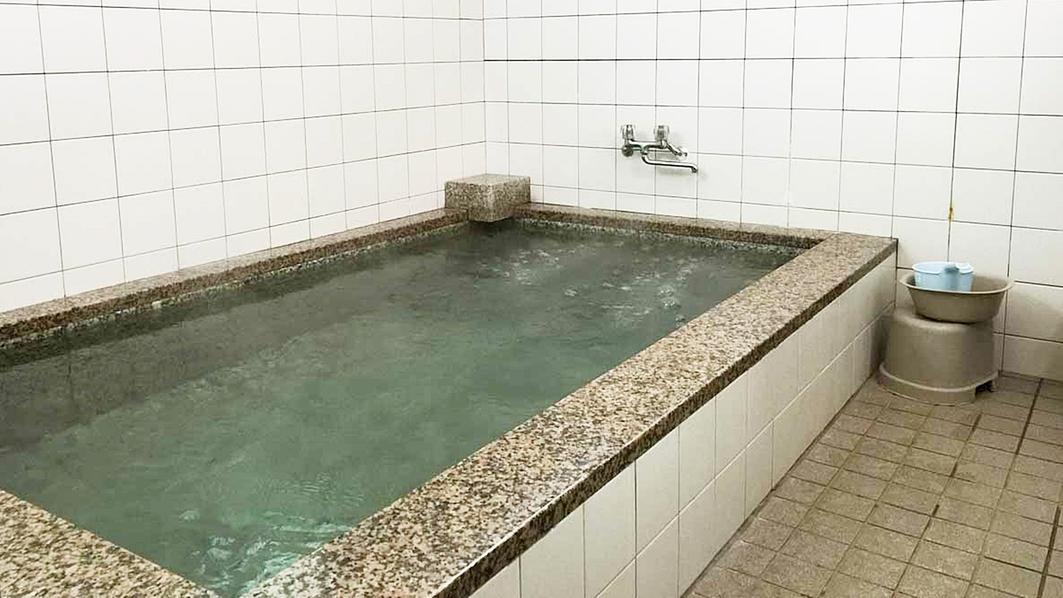 *【風呂】足を伸ばして、ゆっくり1日の疲れを取って下さい。