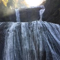 *【袋田の滝】高さ120M、幅73Mの大きさを誇り、日本三名瀑の1つに名を連ねる袋田の滝。