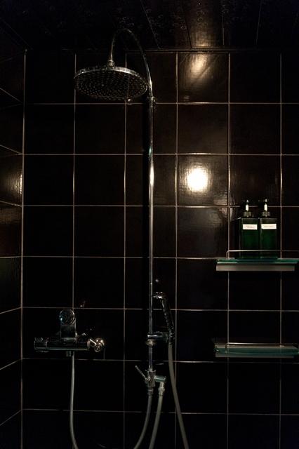 ジャグジー内シャワー