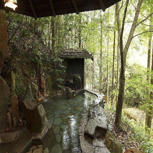 薬湯(びわの葉)露天風呂