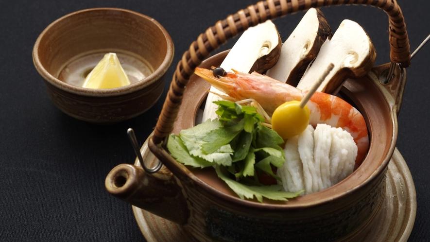 ◇松茸の香りを楽しむなら、土瓶蒸し
