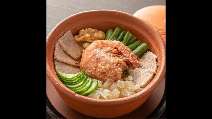 【薬膳懐石料理の一品】新鮮な中性の前菜