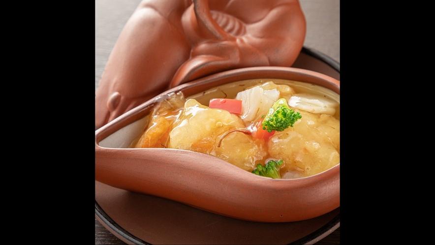 【薬膳懐石料理の一品】紅花入りエビの炒めもの