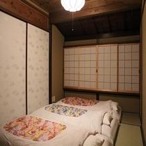 和のテイスト溢れる寝室