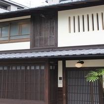 京の風情溢れる外観