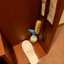 *アメニティ一例 スリッパ・服用消臭剤・靴べら 等ご用意ございます。