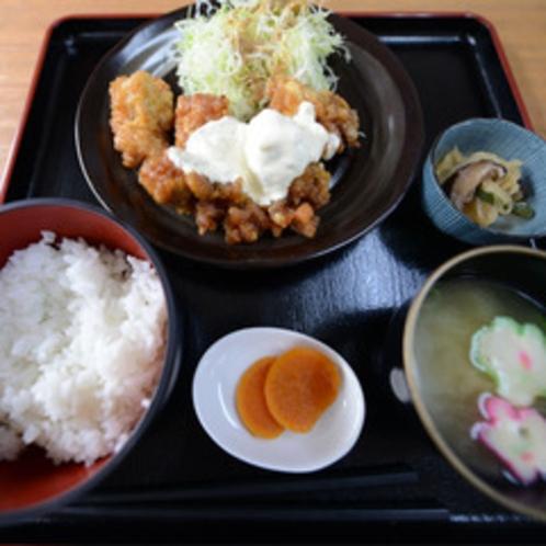 <チキン南蛮(一例)>宮崎と言えば、やっぱり本場で食べてみたいチキン南蛮!