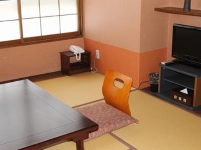 客室一例(6畳中庭側)