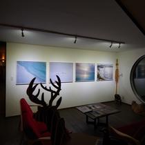 ■施設■ロビーには石川直樹さんの写真を展示しています。2019年流氷の起源を求めロシアへ。