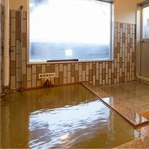 ■大浴場内風呂■源泉かけ流しの温泉で新鮮なお湯をお楽しみいただけます