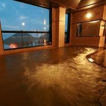 【大浴場】若返り・美肌効果抜群の源泉に浸かりながら諏訪湖を一望頂けます