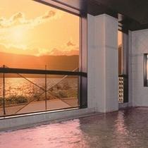 【大浴場】刻一刻と表情を変える諏訪湖を味わう贅沢な休息