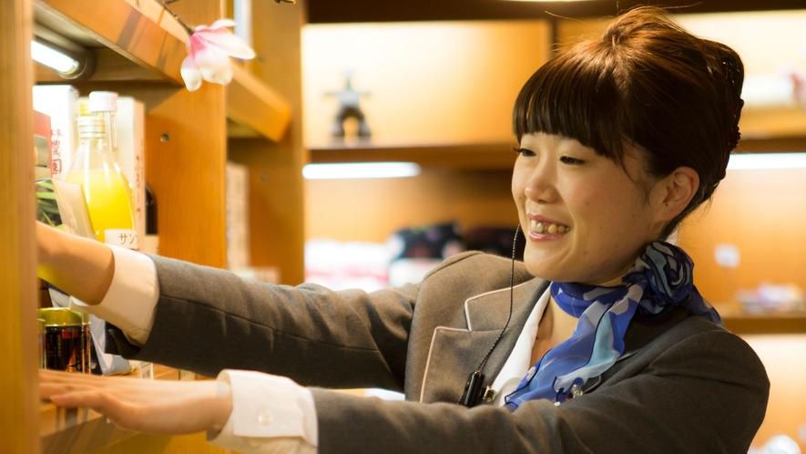 【売店】諏訪のお土産を各種取り揃えております。