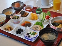 【朝食】和定食またはバイキングにてご提供いたします