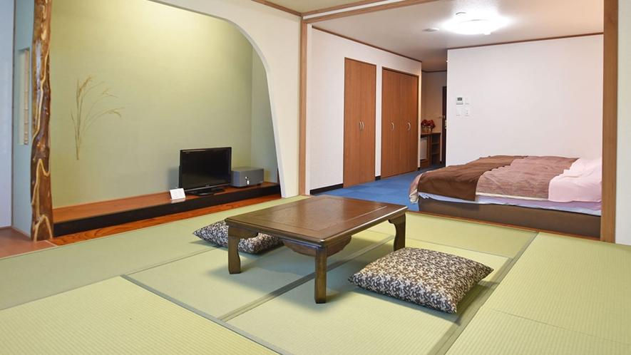 【新館和洋室】8畳和室とツインベッドがございます。
