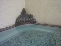 自慢の24時間風呂          (ゆっくりとお入り下さい)