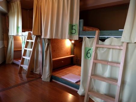 ミックスドミトリー2段ベッド1台