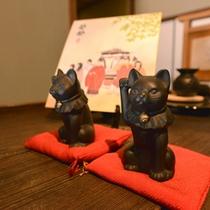 【館内イメージ】玄関には招き猫♪