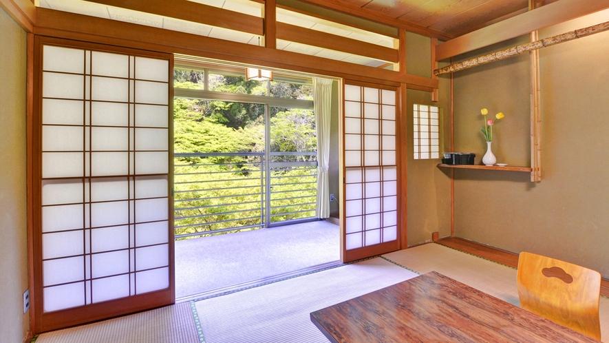 *温かい雰囲気の木造造りのお部屋でのんびりとお寛ぎ下さい。